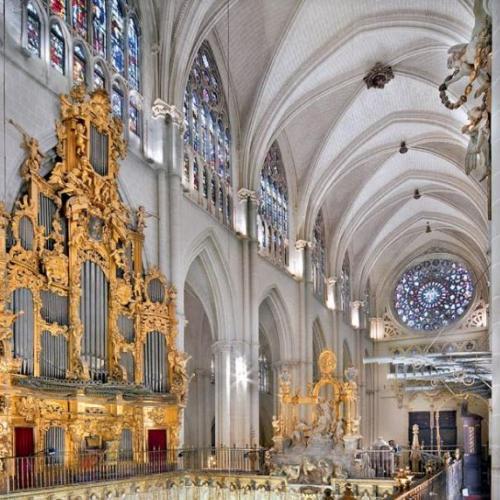La Catedral de Toledo suspende temporalmente la visita turística